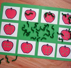 """""""Worms in My Apples"""" File Folder Game {Counting}"""