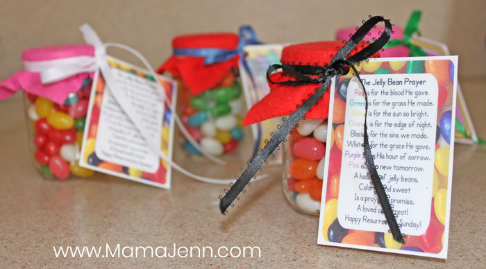 jars filled with jelly beans and printable Jelly Bean Prayer cards attached